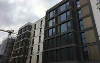 """Fassade des Projekts """"Lucente"""" mit den zwei Appartementhäusern in der Eppendorfer Landstraße 107/109"""